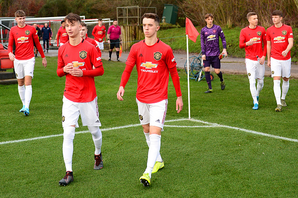 Manchester United show faith in Eastern European prodigy with new deal