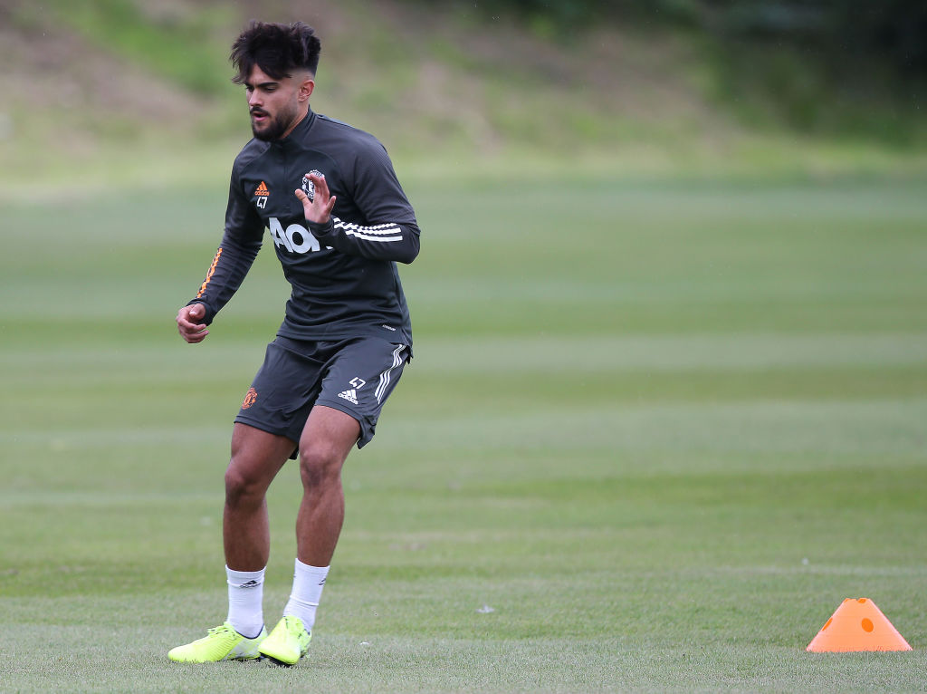 Demetri Mitchell Takes Up Offer To Train With United After Release United In Focus