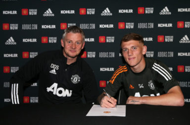 Ethan Galbraith signs a new contract at Manchester United