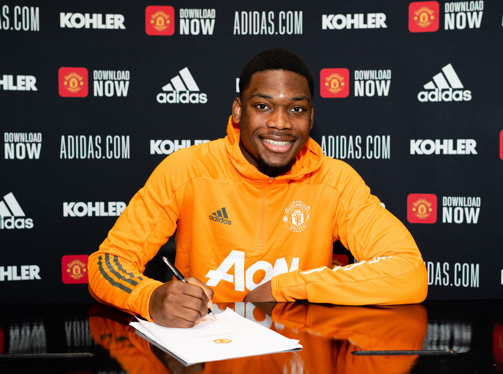 Teden Mengi Signs a New Contract at Manchester United