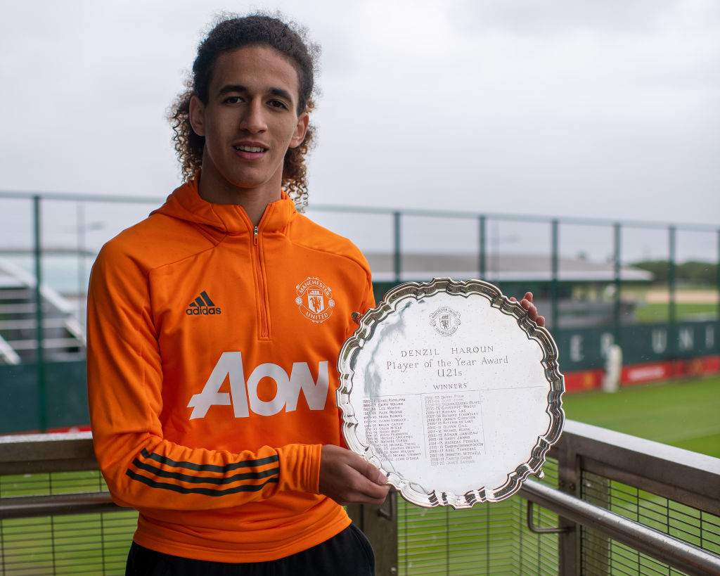 Hannibal Mejbri is Awarded the Denzil Haroun Award for Manchester United Reserve Team Player of the Year
