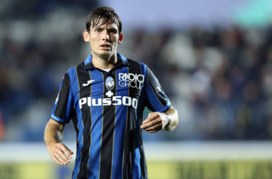 Marten de Roon of Atalanta Bc  looks on during the Serie A
