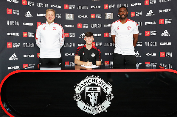 Charlie McNeill Signs a New Contract at Manchester United